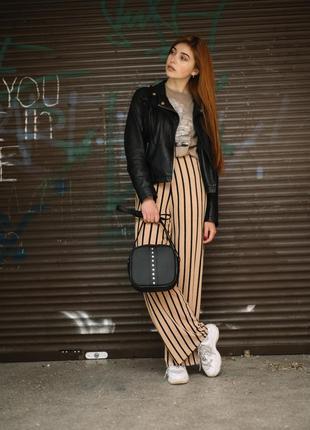Женская черная  стильная вместительная сумка крос боди