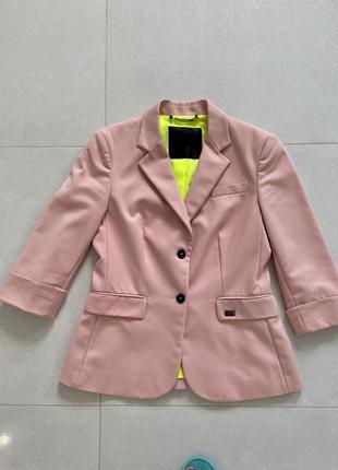 Пиджак брендовый, оригинал philipp plein. размер м. как новый