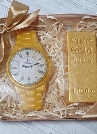 Набор мыла ручной работы мужской часы и слиток золота.