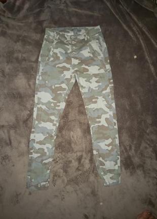 Стрейчевые штаны джинсы
