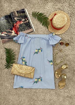Актуальное платье рубашка со спущенными плечами и вышивкой №423