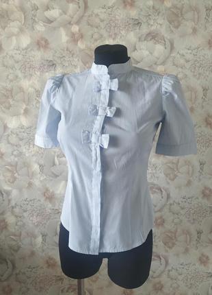 Рубашка в тонкую полоску mohito