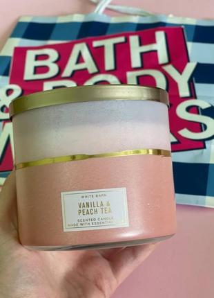 Парфюмированная свеча vanilla & peach tea  от bath and body works