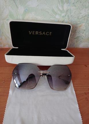 Солнцезащитные очки versace medusa monogram оригинал с чехлом