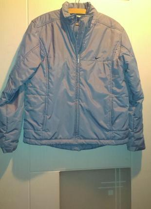 Продам спортивную куртку nike