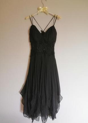 Сукня чорна, кружевна, святкова,плісірована, пасуватиме для танців
