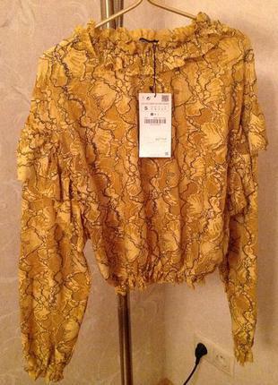 Гипюровая блузка на резинке