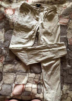 Брюки,скинни,джинсы на завышенной талии бежевого цвета