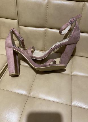 Glamorous босоножки замшевые высокий каблук2 фото