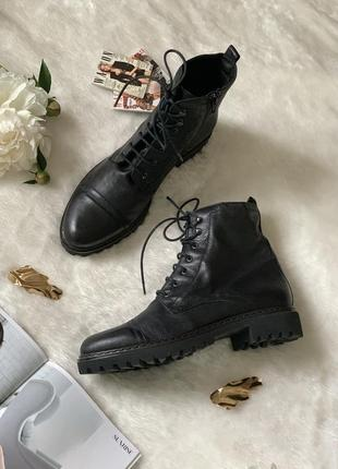 Качественные кожаные ботинки на шнуровке globus essential
