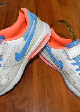 Яркие оригинальные кроссовки nike air max st