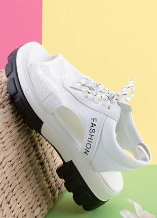 Бомбезные женские кроссовки 2021