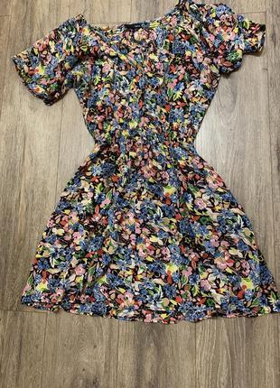 Квітчасте плаття