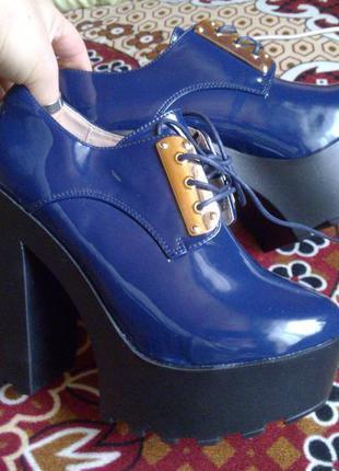 Ботинки осенние, демисезонные, синие на каблуку