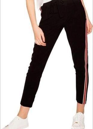 Стильные женские брюки с лампасами lefties испания