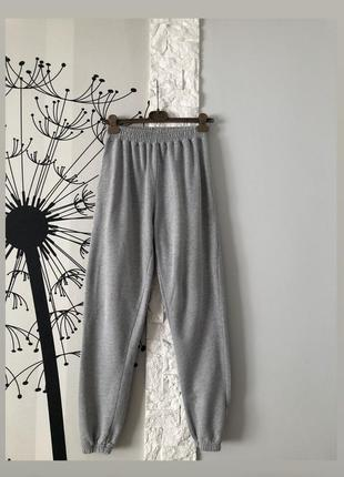 Спортивные штаны джогерры серые