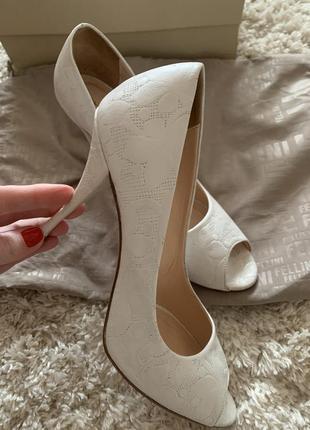 Кожаные туфли fellini, 38 размер. оригинал