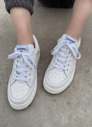 Женские кроссовки топ качества белые
