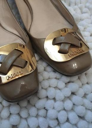 Статусные кожаные туфли,туфлі 39-40р prada italy