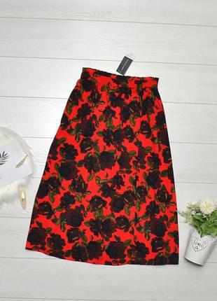 Трендова юбка міді в квіти на запах dorothy perkins.