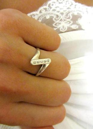 Шикарное серебряное кольцо,925 проба,серебро!подарок!дешево!распродажа!