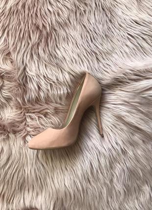 Розовые пудровые туфли лодочки