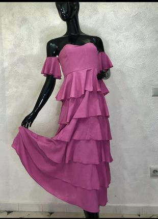 Платье длинное в пол на плечах с рюшами