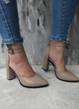 Туфли . босоножки на каблуке