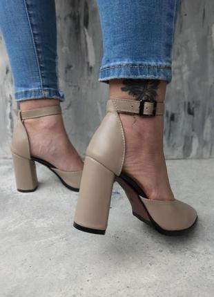 Туфли . босоножки на каблуке2 фото