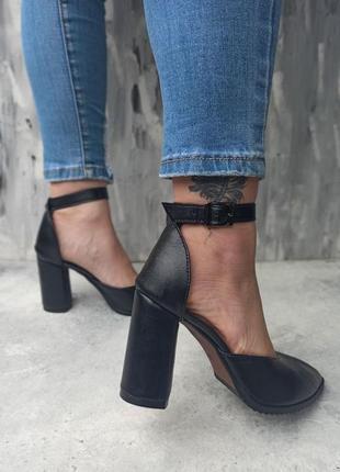 Туфли на каблуке кожа
