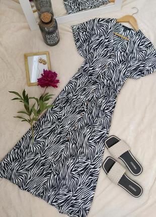 Крутое платье в принт на пуговицах под поясок new look