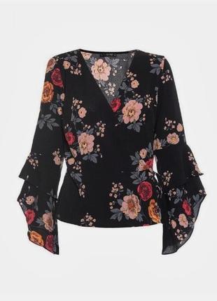 Красивая блуза в цветочный принт на запах с необычными рукавами от quiz
