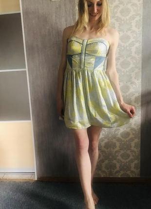 Платье без бретелей бэби-долл