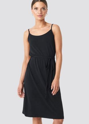 Платье на бретельками. na-kd / как zara, h&m