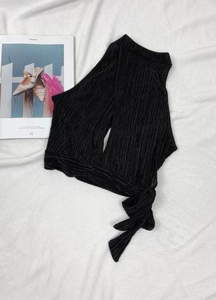 Чёрный кроп топ  из плиссированной ткани