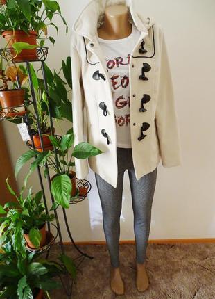 Бежевое кремовое пальто с капюшном шерстяное шерсть