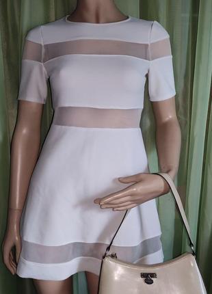 Платье стрейч нарядное молочного цвета