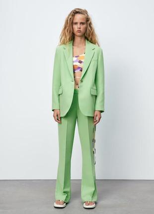 Брючный костюм zara. комплект: блейзер оверсайз и брюки полной длины