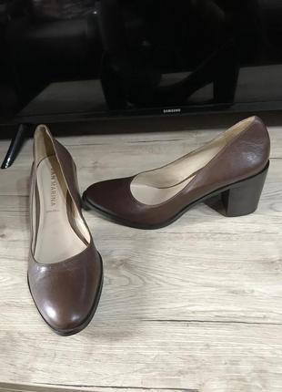 San marina туфли кожаные натуральная кожа zara  италия широкий каблук оригинал
