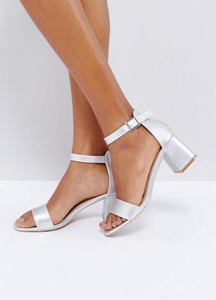 Босоножки glamorous на широком каблуке