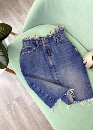 Шикарная новая джинсовая юбка,  с потёртостями от river island ,размер xs-s