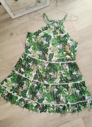 Шикарное платье трапеция в тропический принт