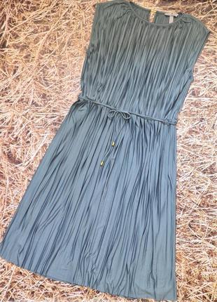 Новое плиссированное платье h&m.