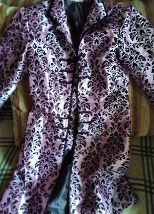 Нарядный удлиненный пиджак