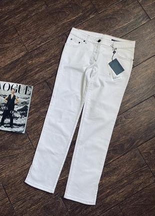 Очень красивые белые джинсы. оригинал