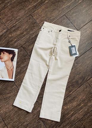 Очень стильные летние укороченные светлые джинсы. оригинал .