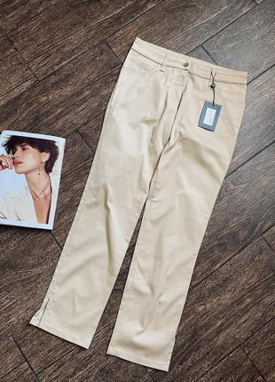 Очень красивые светлые джинсы. оригинал