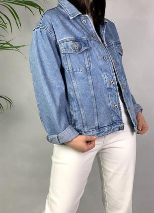 Джинсовка с рисунком на спине джинсовая куртка оверсайз.
