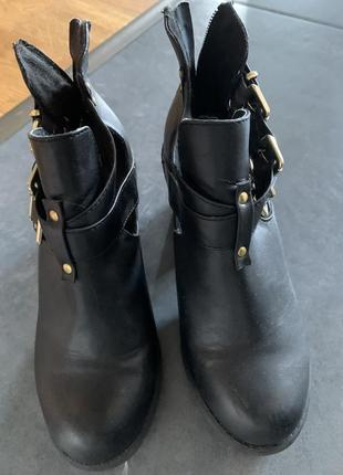 Ботинки кожа dinsko