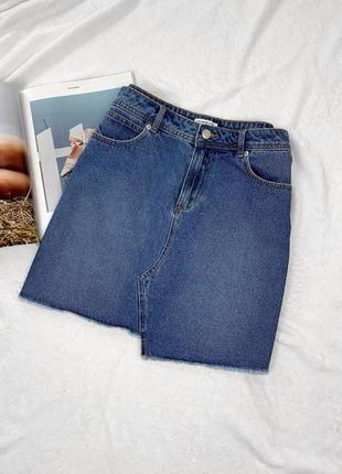 Джинсовая юбка с асимметричным низом